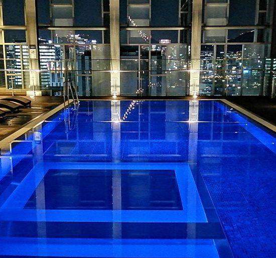 Sydkorea - Seoul, Novotel Ambassador Dongdaemun pool, udsigt - rejser