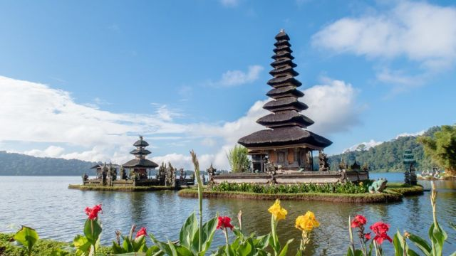 Bali temple travel
