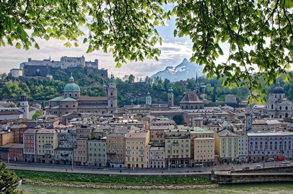 Salzburg, Frühling, Skyline - Reise - Urlaub in Österreich