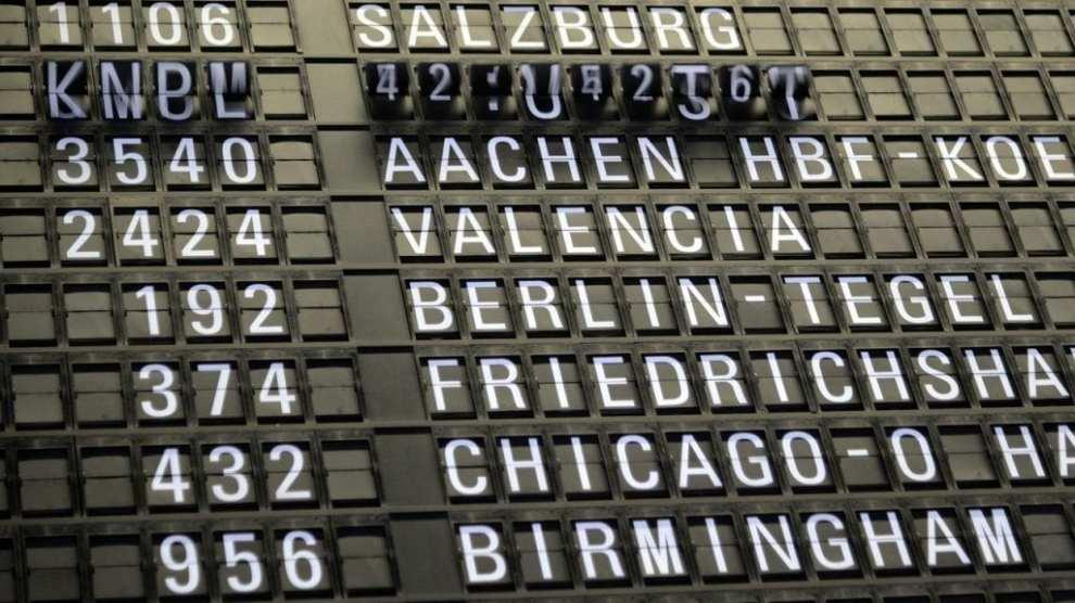 Aéroport - signe. vols - voyages