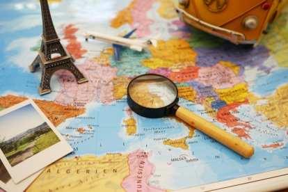 Map Atlas planning travel