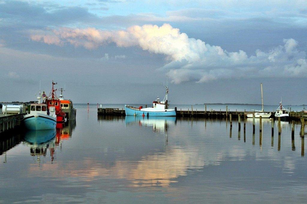 Danmark - Lolland, havn, både - rejser - Øer i Danmark