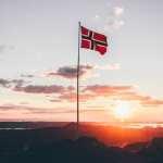 Le drapeau de la Norvège voyage