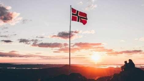Norveška zastava putuje