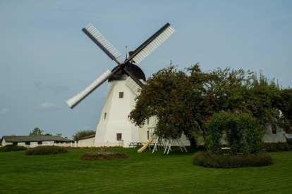 Danimarca La turbina eolica di Bornholm viaggia