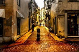 Italia - Vicenza, scena di strada - viaggio