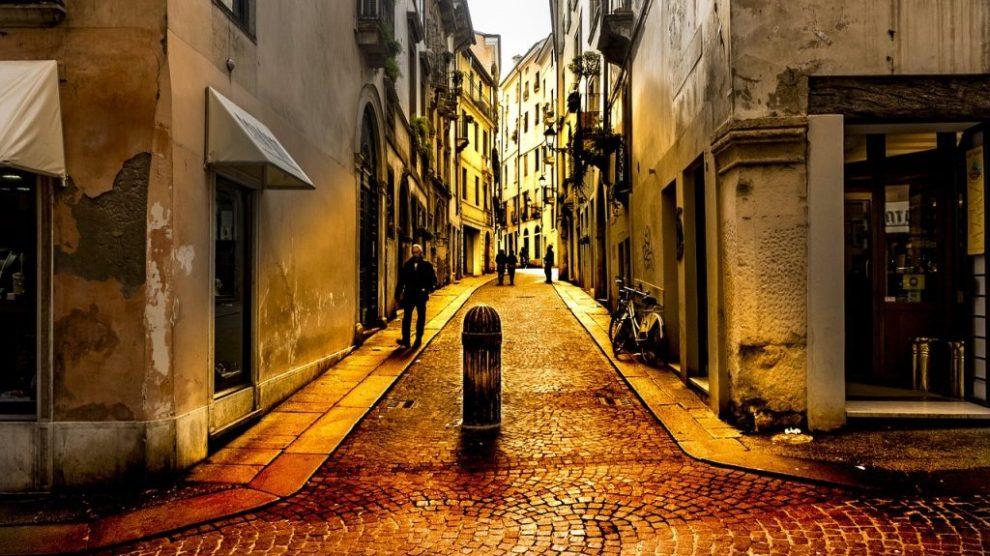 Italie - Vicence, scène de rue - voyage