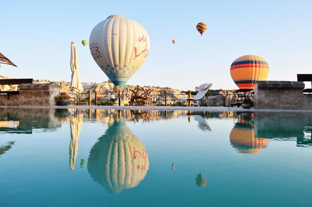 Tyrkiet Kappadokien ballonflyvning hotel Kelebek Cave Hotel Cappadocia travel balloons rejser