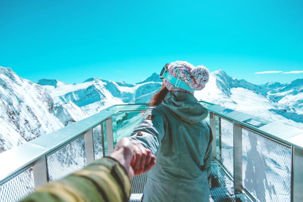 austria ski - woman - travel to austria