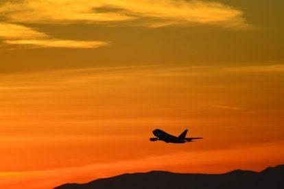 Avion, zalazak sunca, narančasta - putovanje