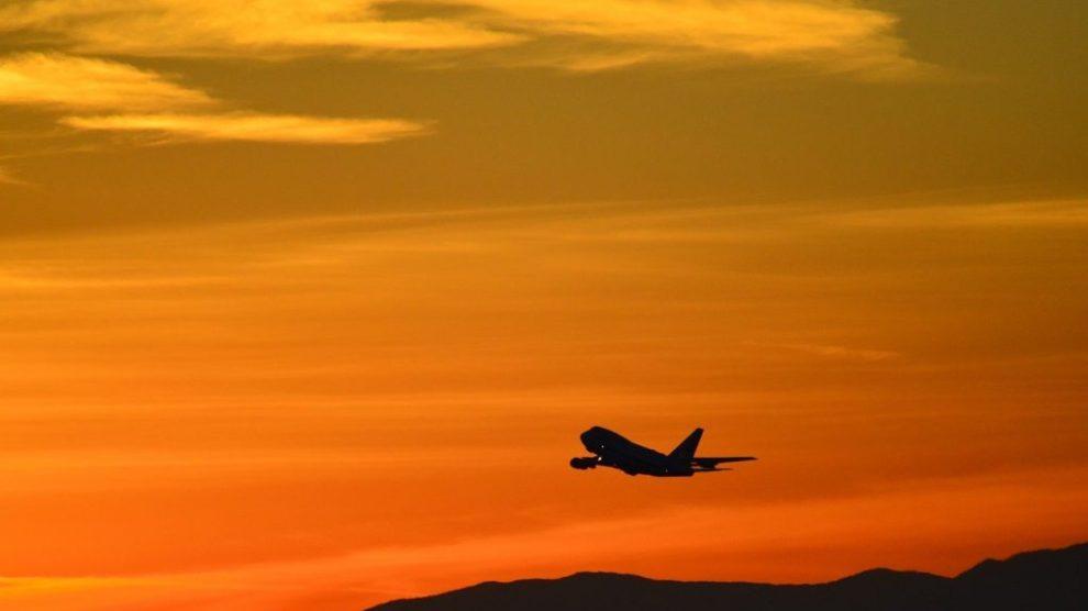 Avion, coucher de soleil, orange - voyage