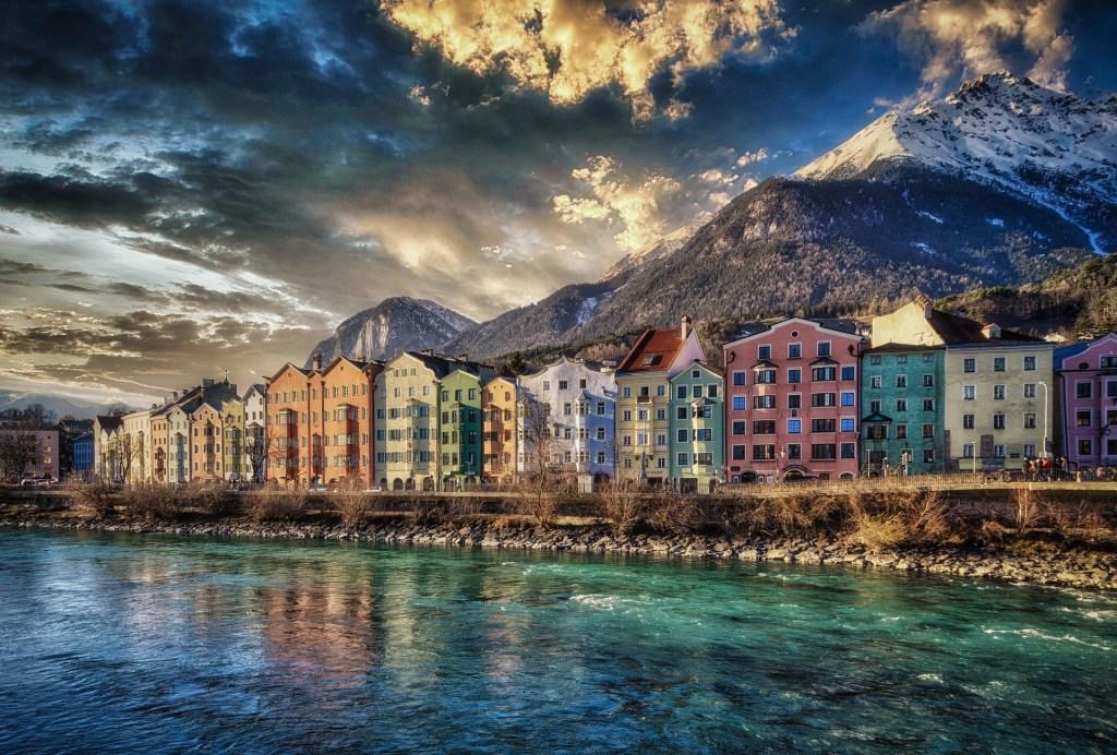 Ville - eau - Innsbruck - Autriche, vacances en voiture en Autriche, voyage