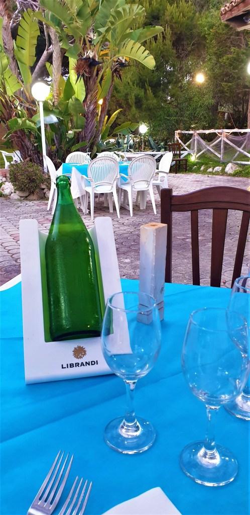 Eva i Malte - Angolo Verde - restoran - terasa - vino - putovanje