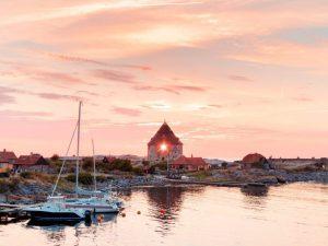 Gudhjem, solnedgang, reise, bornholm, ferie i danmark, bussreiser, vitus reise, danmark