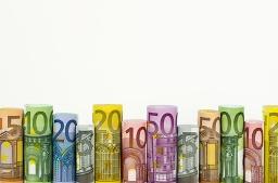 Die Geldscheine stehen als Symbol für eine lukrative Gewinn-Formel