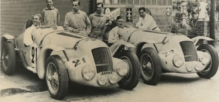 Rassemblement d'automobiles anciennes de collection