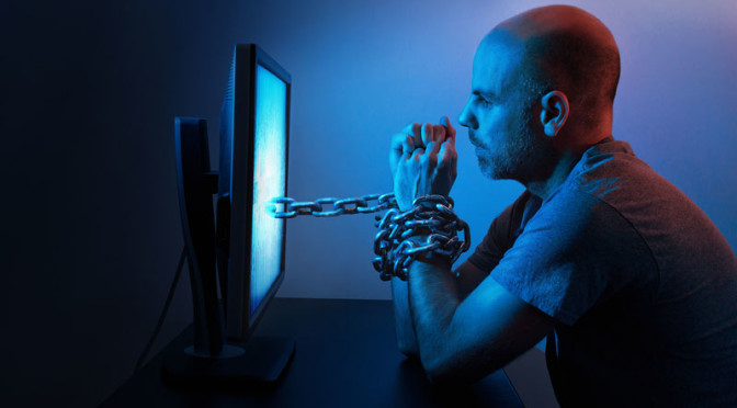 cheating-man-chained-to-porn-websites