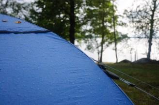Regn på Akka Dome