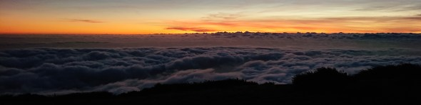 Reldin Adventures - Rabaçal - Sunset on Madeira over the clouds