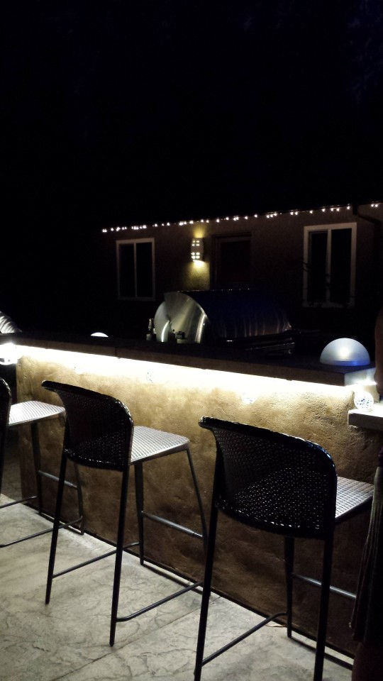 california_outdoor_LED_strip_lighting