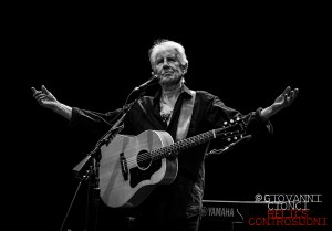 Graham Nash - Live @ Teatro Manzoni -Pistoia- (foto di Giovanni Cionci)