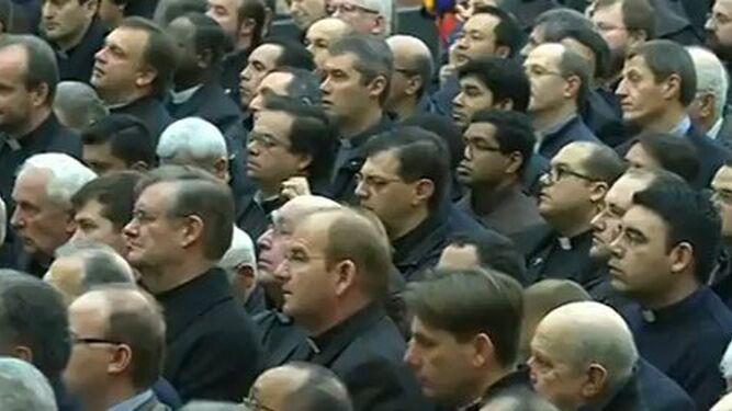 El Papa, durante su encuentro con el clero romano