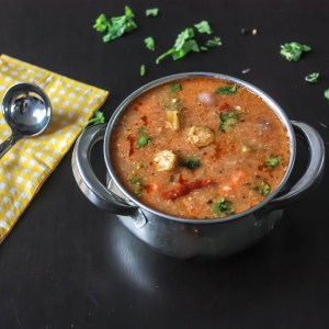 Arachuvitta Sambar/ Indian Lentil Stew
