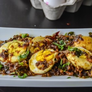 Egg Pepper Roast / Muttai Milagu Varuval