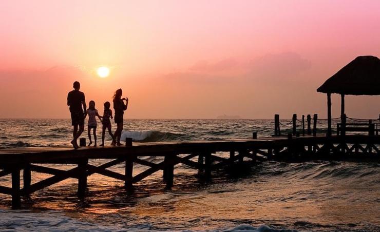 ילדים תלויים וקרובי משפחה מבוגרים עלולים להקשות על ההחלטה לצאת לרילוקיישן