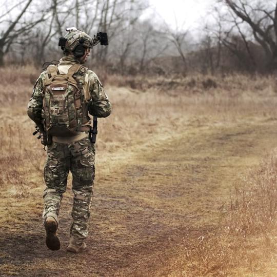 """רילוקיישן צבאי – על מגדר ונטייה מינית בצבא ארה""""ב"""