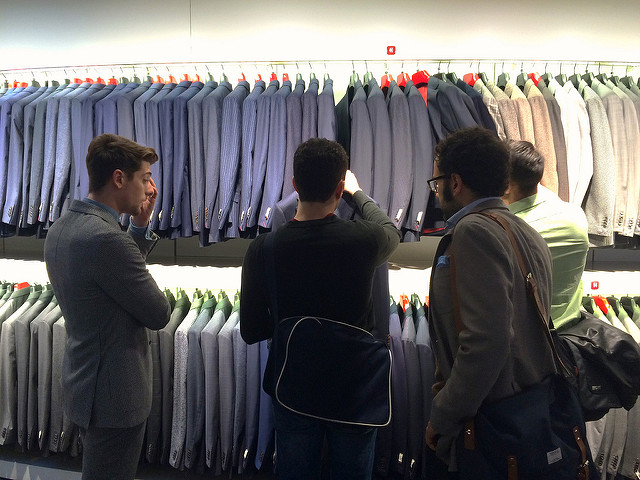 Shopping at Suitsupply Milano
