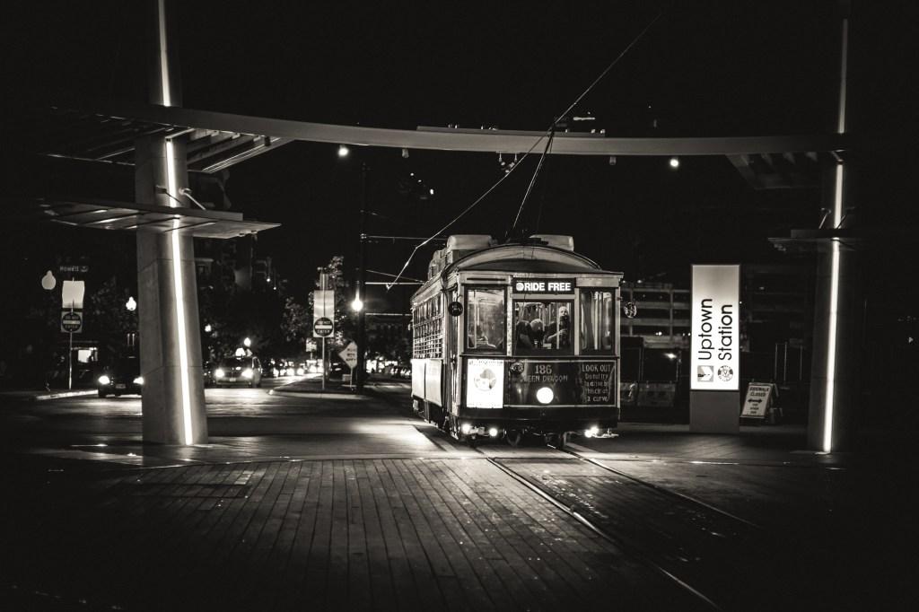 credit: Ian Brooke on Flickr, Green Dragon 186 historic streetcar, Dallas