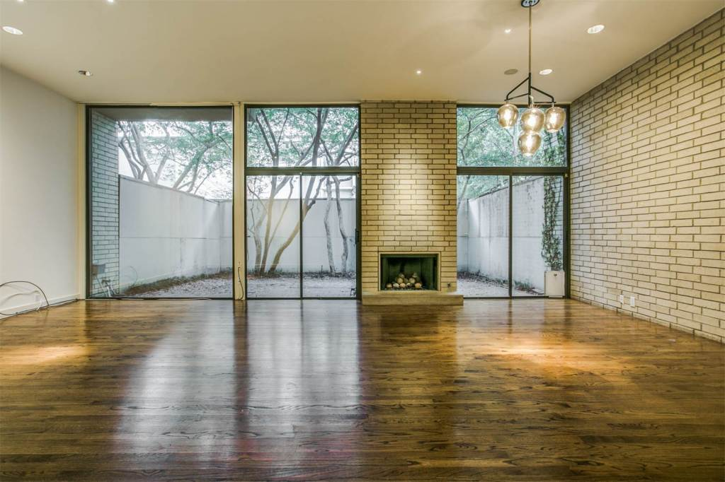 2812 Welborn Street, Dallas, on Sotheby's Realty