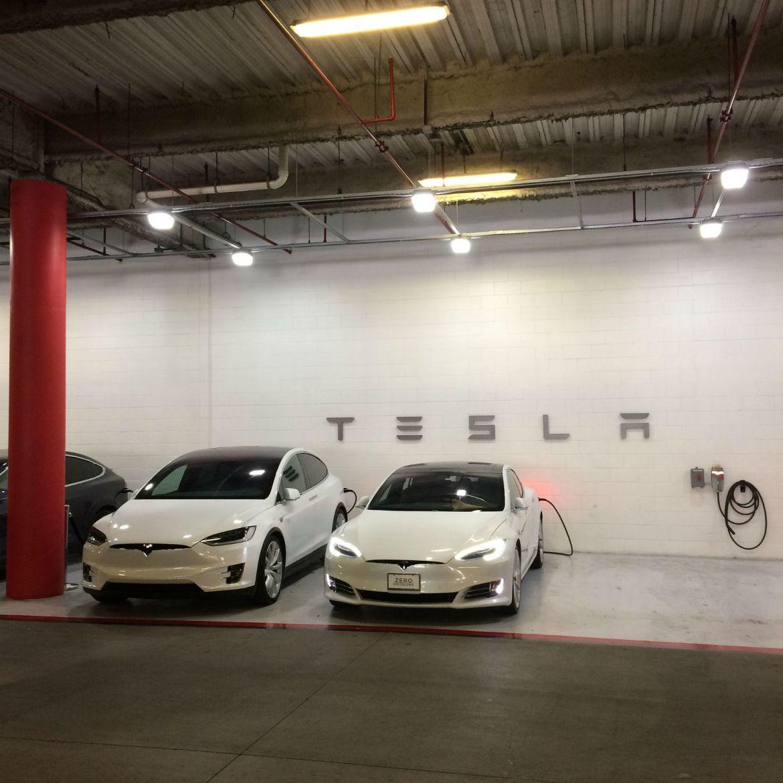 Tesla @ International Plaza