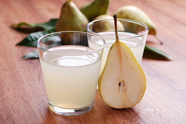 O suco de pera é um dos remédios caseiros para azia, má digestão e gastrite