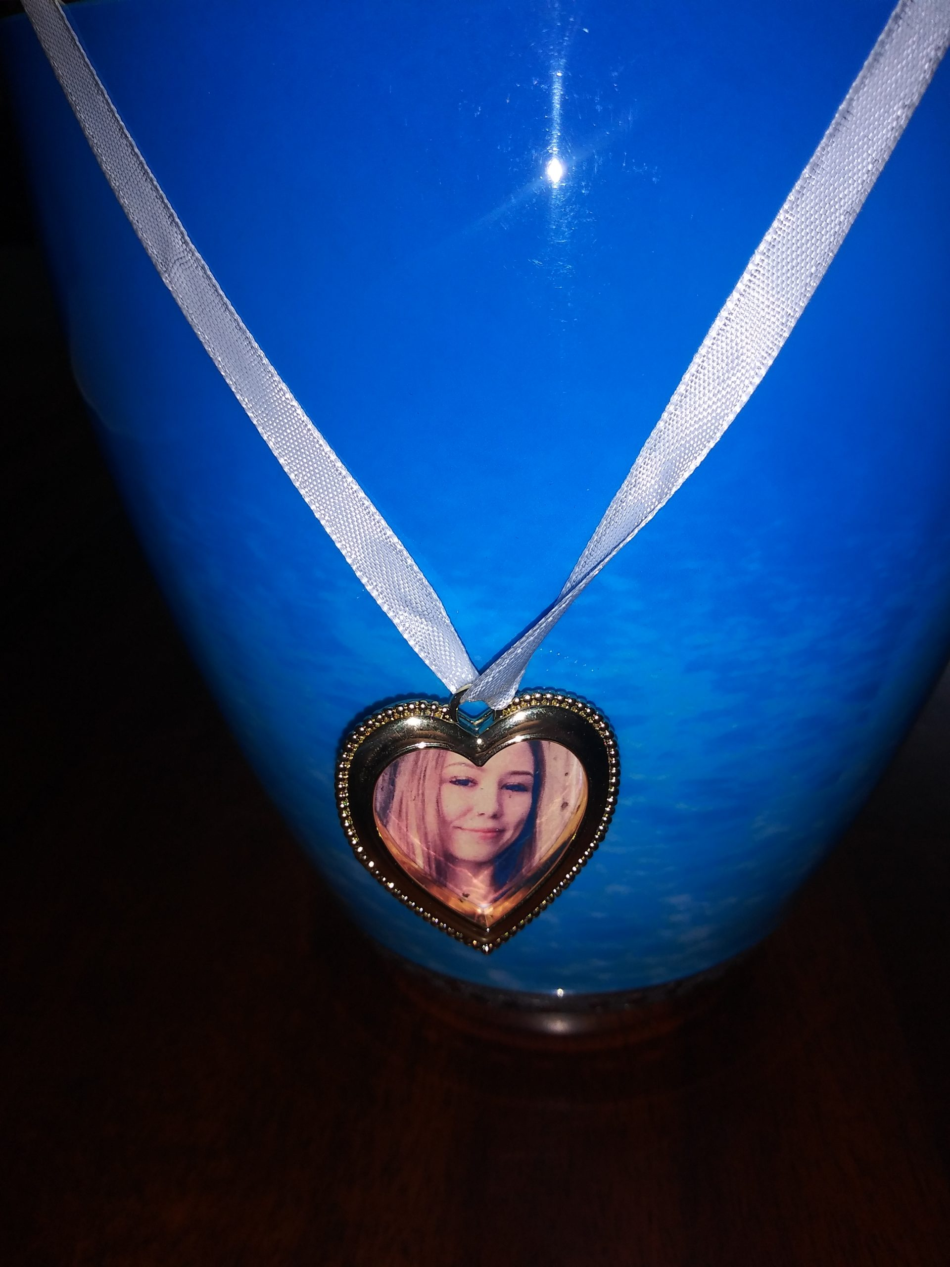 Caitlin Frangel's urn 3