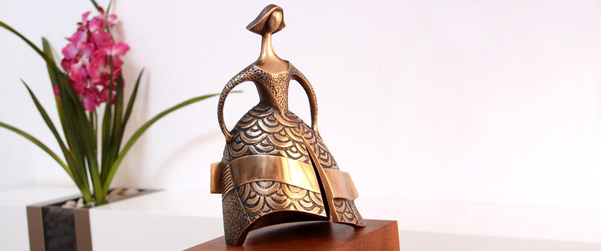 La Dama Azul - Esculturas de bronce - Escultor Remigio Vidal