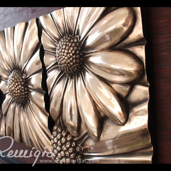 Margaritas - Escultura de fundición en bronce - Escultor Remigio Vidal