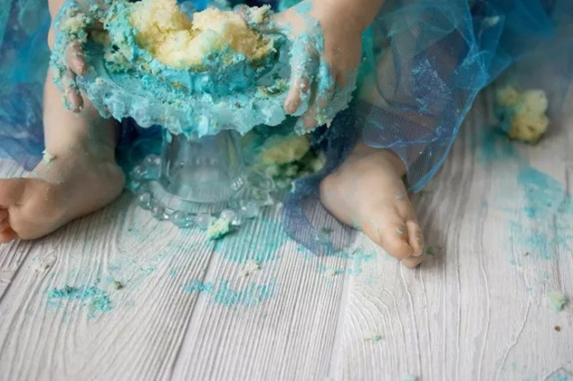 Tips For Capturing Colorful, Messy First Birthday Photos