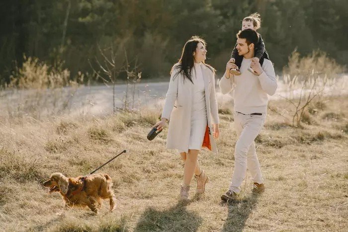 How To Take Best Family Portraits With Pets