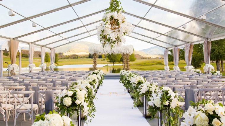 Having A Tent Wedding? Here Is Some Tips That Must Be Taken Into Consideration