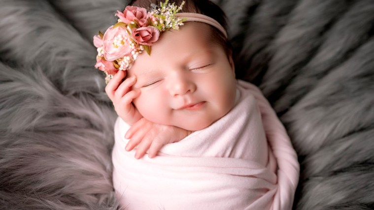 12 Tips To Get You Started With Newborn Photography Sessions