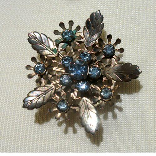 Blue rhinestone flower pin-Remix Vintage Clothing
