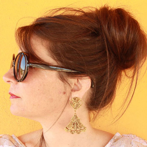 80s dangle berrera gold earring - remix vintage clothing