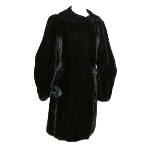 black velvet opera coat bellow sleeves Art Deco-the remix vintage fashion