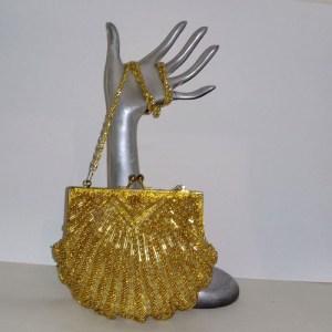 la regale purse gold beaded clutch 80s | the remix vintage fashion