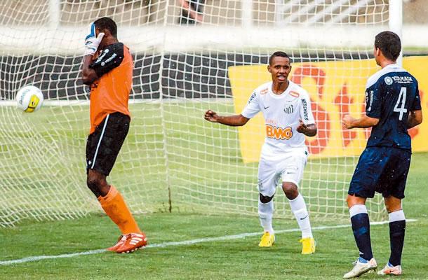 Elielton falhou no primeiro gol santista