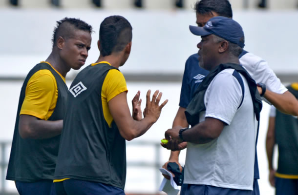 Juninho, Léo Paraíba e Cacaio