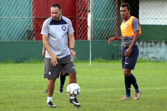 Artur Oliveira e Dedeco