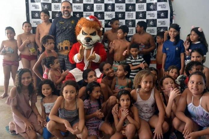 Natal Azulino Solidário